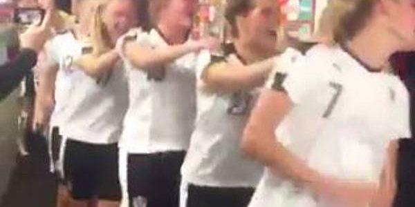 ÖFB-Frauen feiern Semifinaleinzug mit Karaoke in der Mixed Zone