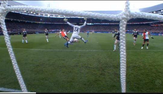 Torvestifal in Eredivisie: Feyenoord schlägt Ajax 6:2