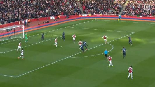 Arsenal schlägt Manchester United 2:0 (Highlights)
