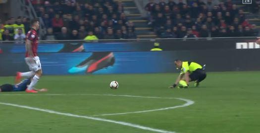 5 Tore im Mailänder Derby: Inter schlägt Milan (Highlights)