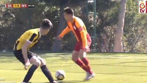 Guter Junge: Fairplay bei U14-Spiel