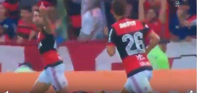 Headbutt und Mittelfinger: Flamengo-Teamkollegen werden keine Freunde mehr