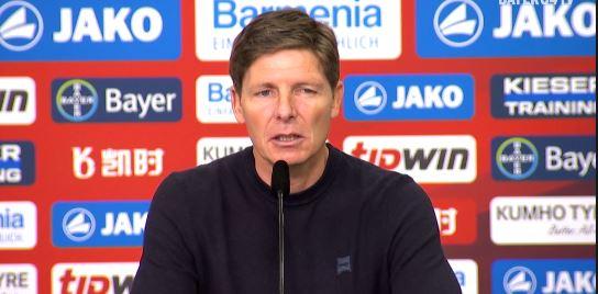Oliver Glasner nach 4:1-Sieg gegen Leverkusen hochzufrieden