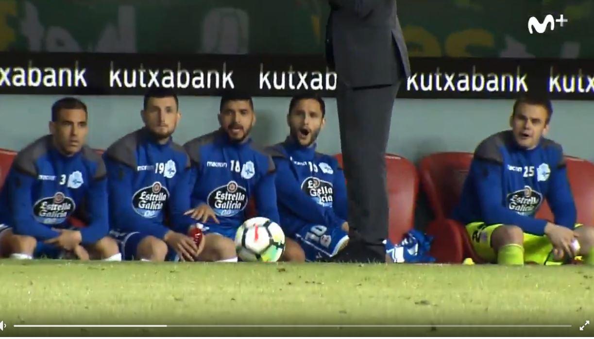 Deportivo-Trainer Clarence Seedorf mit Gustostückerl