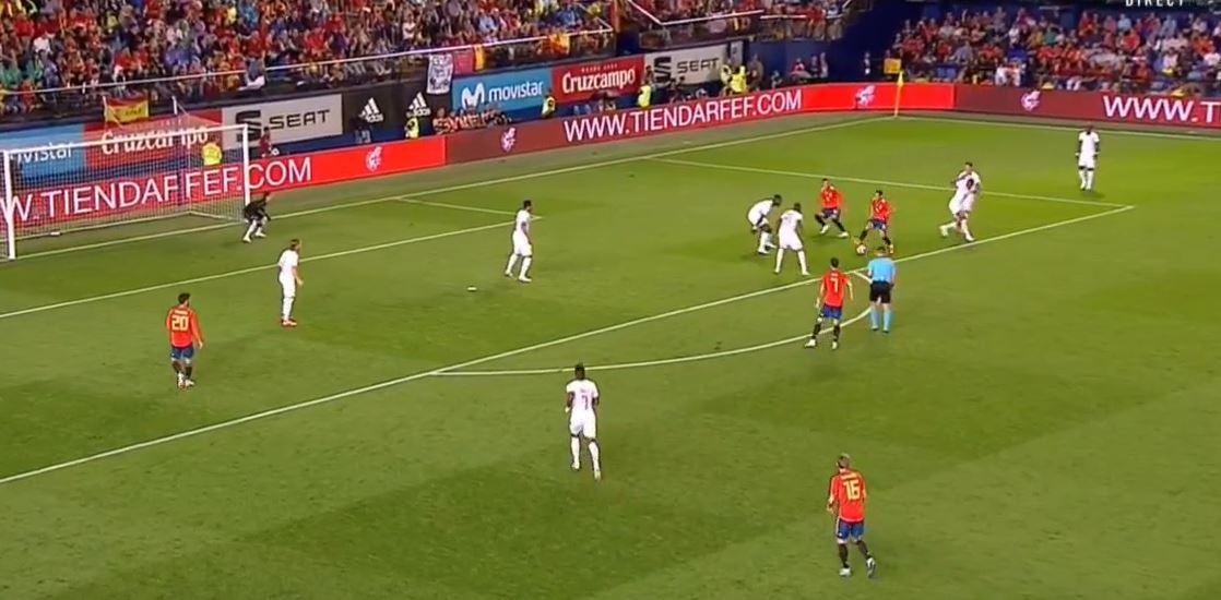 Traumpass von Lucas Vázquez gegen die Schweiz
