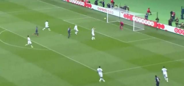 Kung-Fu-Treffer von Ibrahimovic