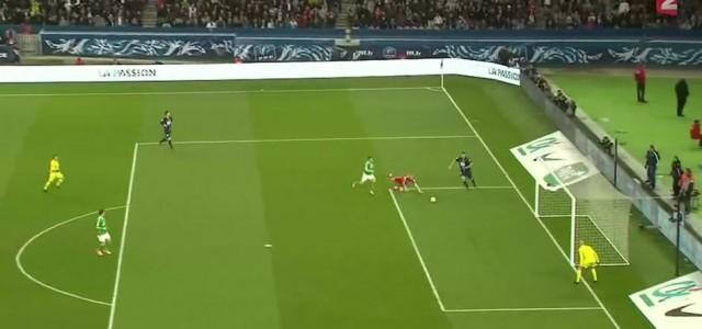 Zlatan Ibrahimovic umkurvt Saint-Etienne-Keeper