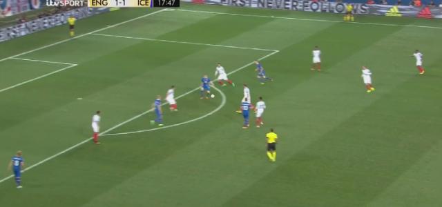 Island geht gegen England in Führung (2:1)