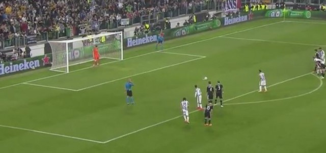 Tevez verwandelt Elfmeter zum 2:1 gegen Real Madrid