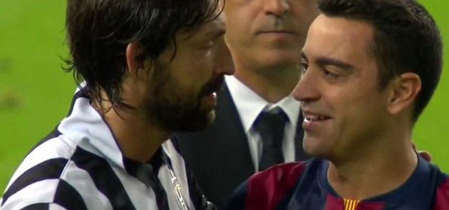 Xavi und Pirlo nehmen Abschied voneinander