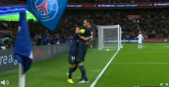 Ibrahimovic trifft gegen Guingamp (3:0)