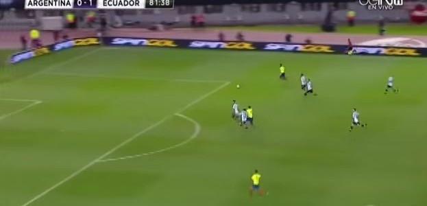 Antonio Valencia schaltet Turbo gegen Argentinien ein (2:0)