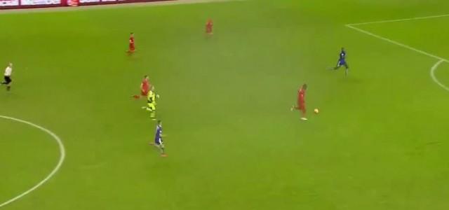 Benteke lässt riesigen Sitzer aus (Liverpool vs Leicester)