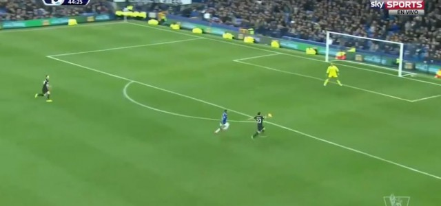 Shaqiris toller Abschluss zum 2:1 gegen Everton