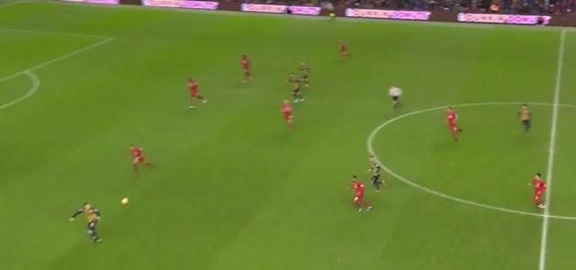 Özils Ballannahme gegen Liverpool