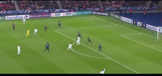 François Moubandjes Tor gegen Paris Saint-Germain