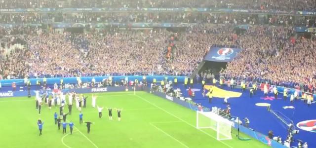 Isländische Fans verabschieden ihr Team aus Frankreich
