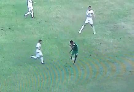 Alex Iwobis Rainbow Flick gegen Algerien