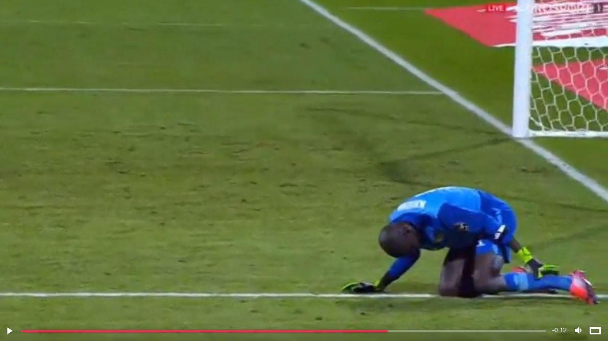 Oscarverdächtig: Senegals Keeper schindet Zeit