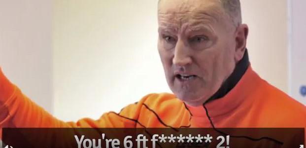 Wütende Halbzeitansprache in der Welsh Premier League