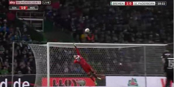 Zlatko Junuzovic´Traumfreistoß gegen Paderborn