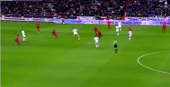 Herrliches Kombinationsspiel von Real Madrid gegen Sevilla
