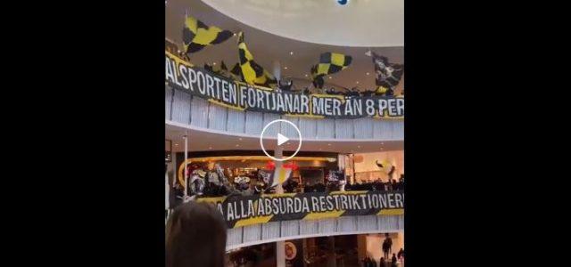 Acht Fans zugelassen: AIK Solna Fans protestieren im Einkaufszentrum