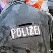 Kommentar: Klubs müssen Polizei zahlen, oder: Fußball als Bauernopfer