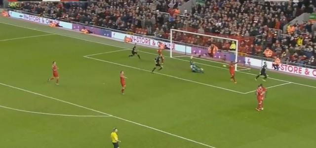 Marko Arnautovic erzielt das 1:0 für Stoke beim FC Liverpool