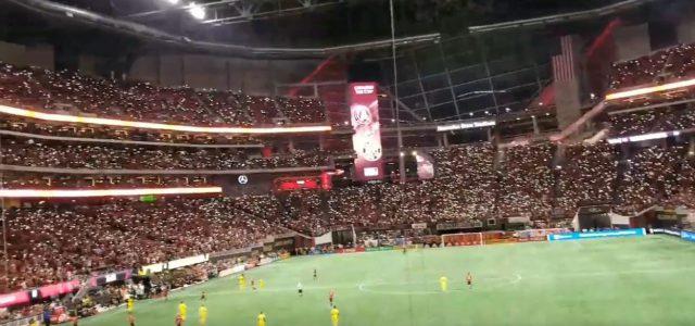 """Fans von Atlanta United begeistern mit einer """"Handy-Choreo"""""""