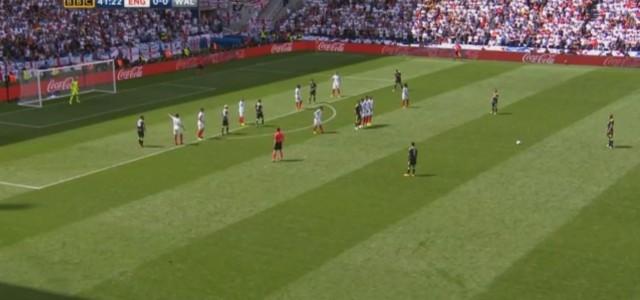 Gareth Bales zweites Freistoßtor im Turnier bringt Wales gegen England in Führung