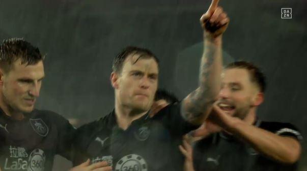 Ashley Barnes glänzt bei Burnleys 3:1-Sieg in Brighton