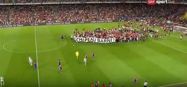 Basel-Fans stürmen den Platz und bedanken sich bei scheidendem Präsidenten