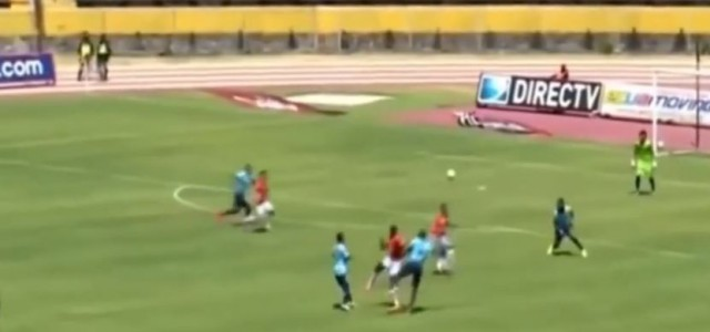 Luis Bolaños sensationelles Ferserltor in der ecuadorianischen Liga