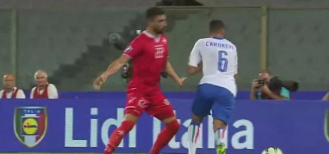 Antonio Candrevas Schwalbe im Länderspiel gegen Malta