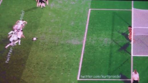 Die Elfmeter der Deutschen gegen Italien – und zwar alle gleichzeitig!