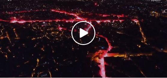Irre, stadtweite Pyroshow der Esperance Tunis Fans