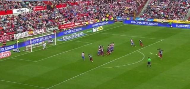 Der perfekte, absolut unhaltbare Freistoß von Antoine Griezmann (Atlético Madrid)
