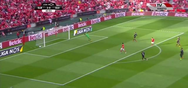 Jonas (Benfica Lissabon) trifft gefühlvoll zum 4:0 gegen Vitoria Guimaraes