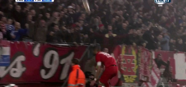 Hakim Ziyech trifft für Twente und verletzt sich beinahe beim Torjubel