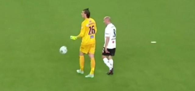 Molde-Keeper Andreas Linde fliegt bei seinem Ligadebüt gegen Odds BK vom Platz