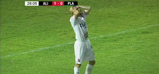 CONCACAF-League: Wunderschönes Kopfballtor – in die falsche Richtung