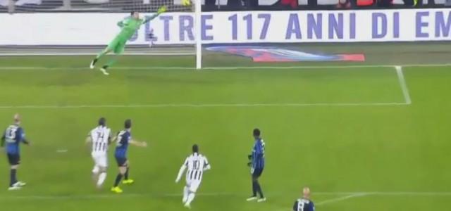 Pirlos feines Weitschusstor gegen Atalanta Bergamo