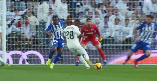 3:0 über Alavés: Real Madrid stabilisiert sich!