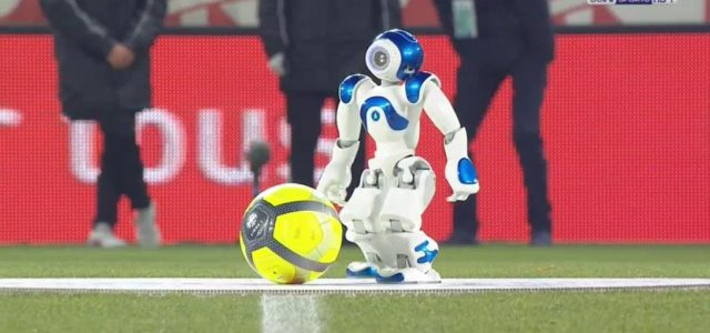 Roboter-Ankick in der französischen Liga