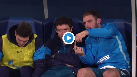 Big Brother in Russland: Zenit-Ersatzspieler am Stadion-Screen